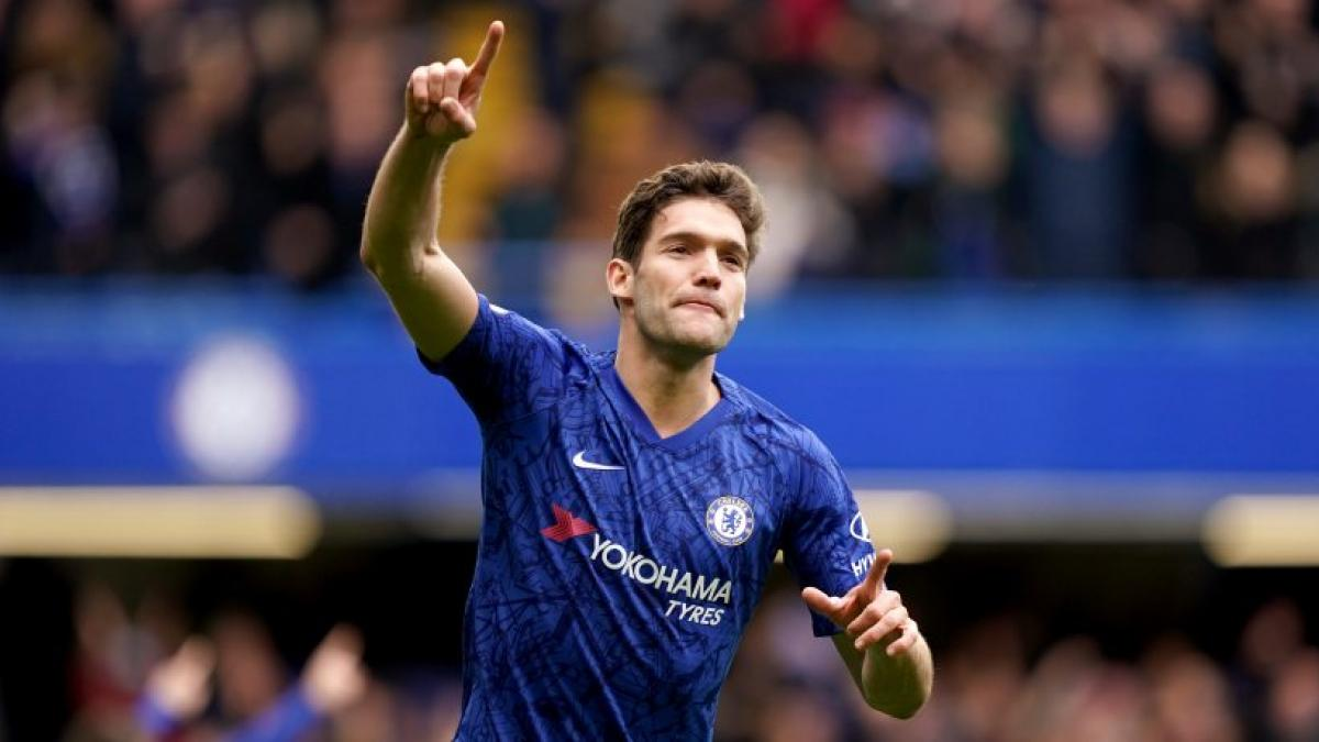 Marcos Alonso marcó dos goles ayer