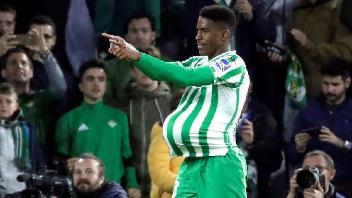Junior Firpo es una de las grandes promesas del fútbol español