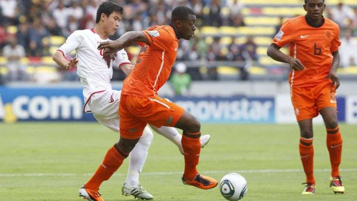 Ryan Gravenberch es uno de los nuevos talentos del fútbol holandés