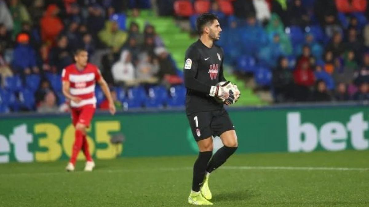 Real Betis | Rui Silva se deja querer