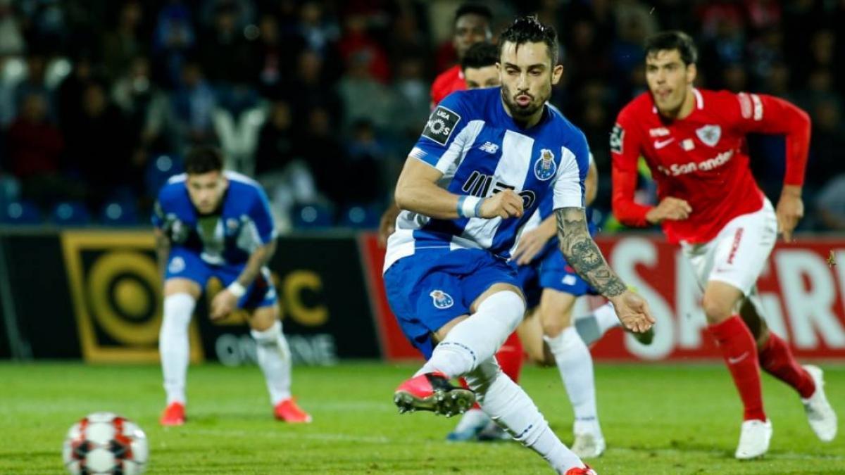 Alex Telles está rindiendo a la perfección en el Oporto