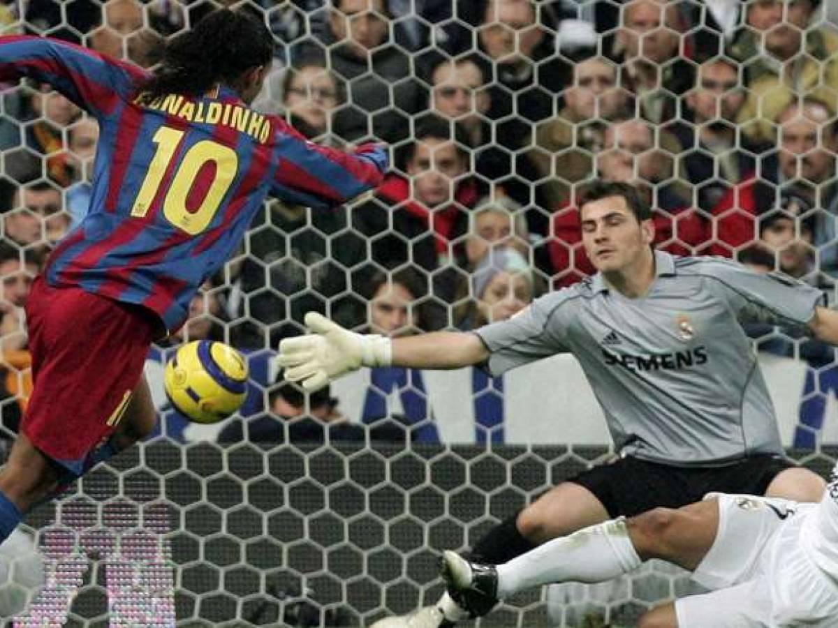 Ronaldinho, de la cumbre al olvido en una década