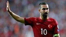 Arda Turan amplía su contrato con el Galatasaray