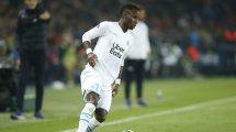 Sevilla y Real Betis compiten por un defensa de 15 M€