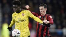 Liverpool y Manchester United compiten por un talento del Arsenal