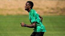 Denis Zakaria desata un duelo en la Premier League