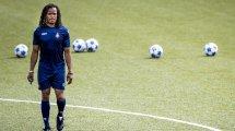 Edgard Davids entrenará en la tercera división portugesa