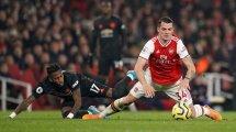 El Arsenal pone a 3 piezas en el escaparate