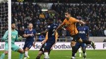 Los Wolves blindan a Jonny Otto