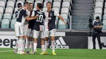 La Juventus define sus planes con Alex Sandro