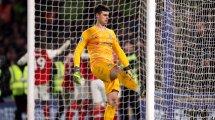 El Chelsea intensifica la búsqueda del recambio de Kepa