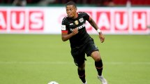 Leon Bailey impulsa al Bayer Leverkusen