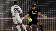 El Real Madrid examina a Unai Simón