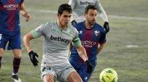 Real Betis | Los 2 grandes clubes que vuelven por Aïssa Mandi