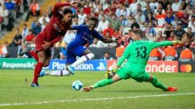 Adrián San Miguel le da la Supercopa de Europa al Liverpool