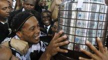 """Varios equipos de la cárcel se disputan el """"fichaje"""" de Ronaldinho"""