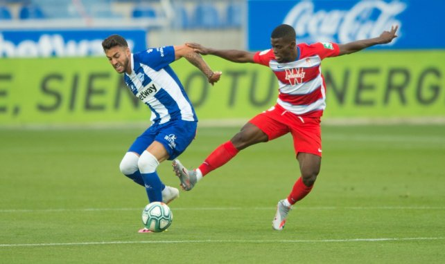 Liga   El Granada supera al Deportivo Alavés