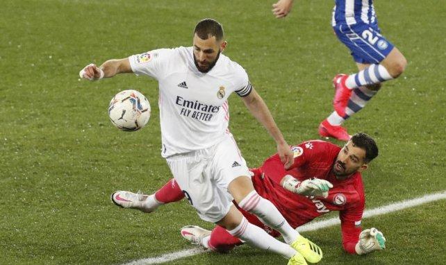 Liga | El Real Madrid golea al Deportivo Alavés al ritmo de Benzema