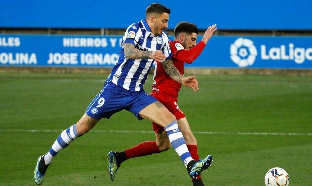 Liga | Kike Barja impulsa a Osasuna a costa del Deportivo Alavés