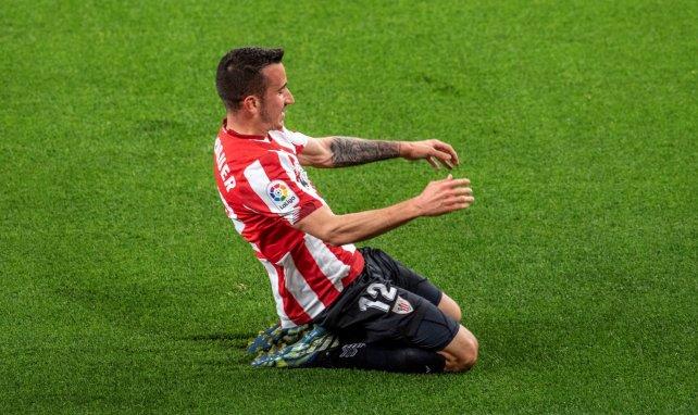 Álex Berenguer celebra un gol para el Athletic Club