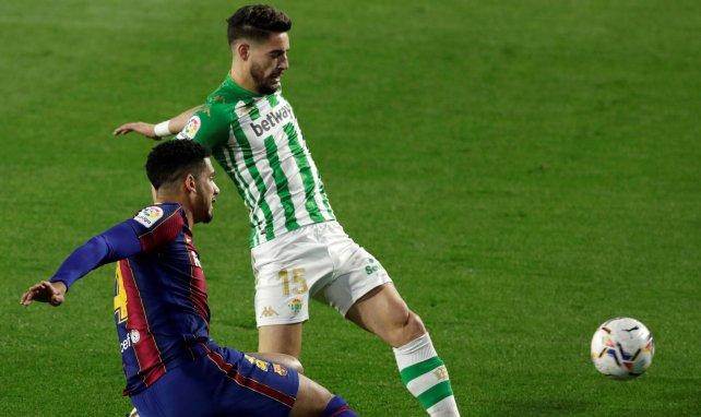 La propuesta que declinó el Real Betis por Álex Moreno