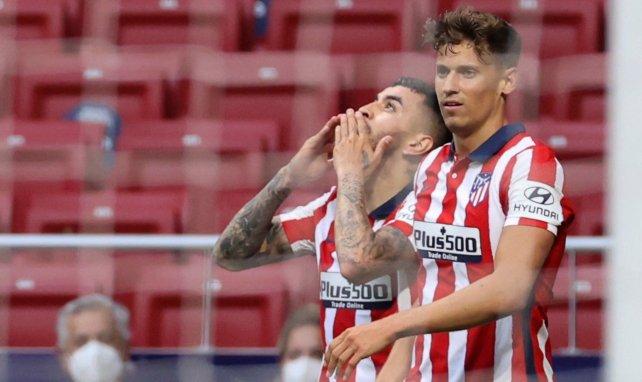 Ángel Correa celebra su gol con Marcos Llorente