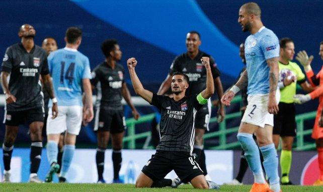 Houssem Aouar acerca posturas con el Arsenal
