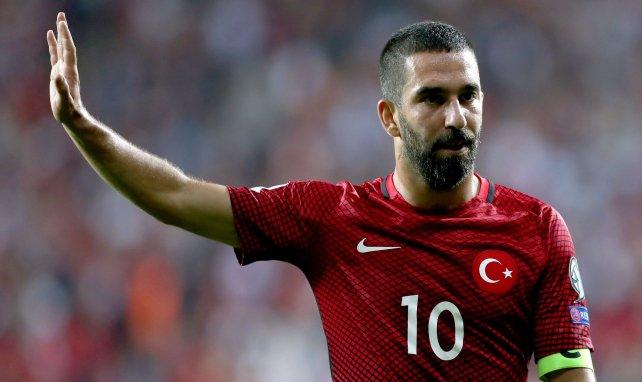 Arda Turan acuerda su vuelta al Galatasaray
