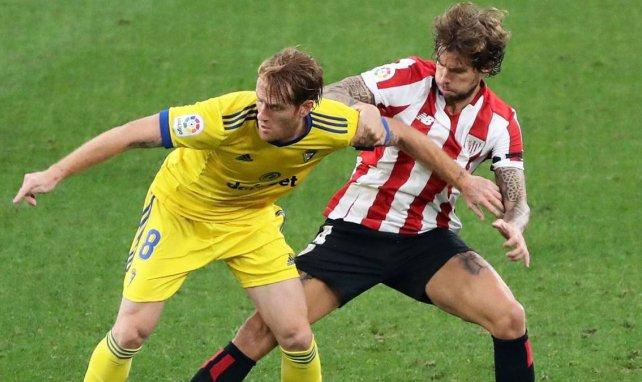 Liga | El Cádiz asalta San Mamés con 9 jugadores