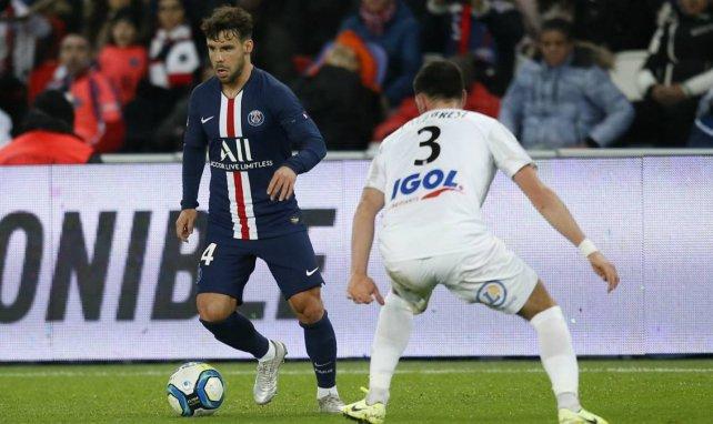 El PSG ya negocia la renovación de Juan Bernat