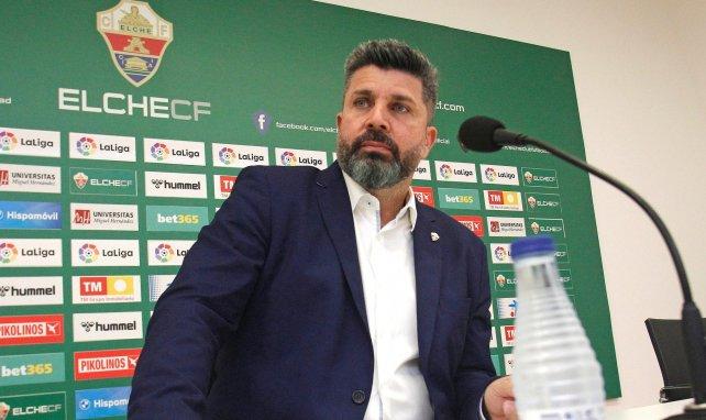 Elche | Varios clubes de Primera acechan a José Salinas