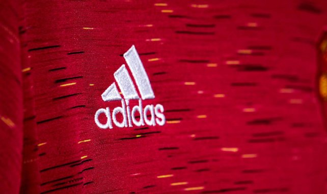 El Manchester United muestra su nueva camiseta 2020-2021