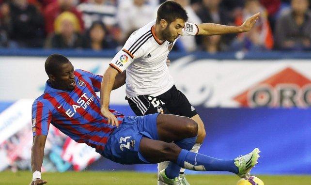 Carles Gil aún contempla volver al fútbol español