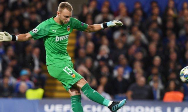 El Valencia todavía puede lograr 10 M€ por Jasper Cillessen