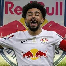 Claudinho luce los colores del Red Bull Bragantino