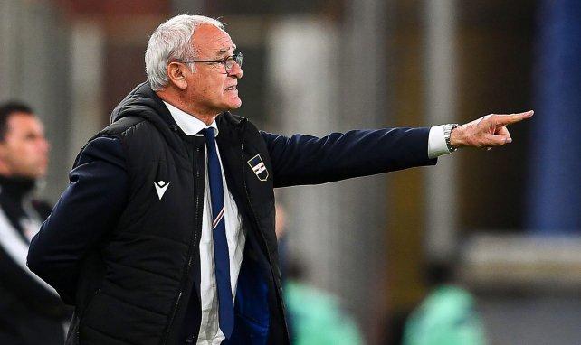 Claudio Ranieri dirigiendo a su equipo