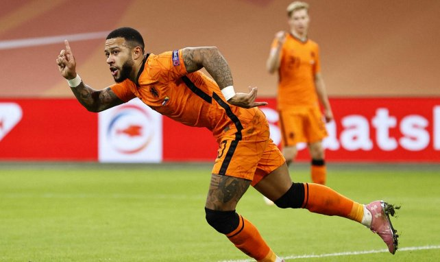 Memphis Depay, en acción con la Selección de Holanda