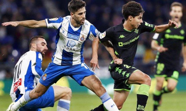 Real Betis | Batalla a 4 bandas por Diego Lainez