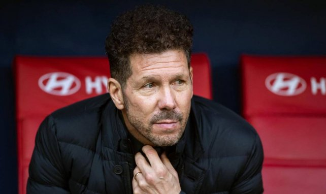 Diego Simeone sale en defensa del VAR