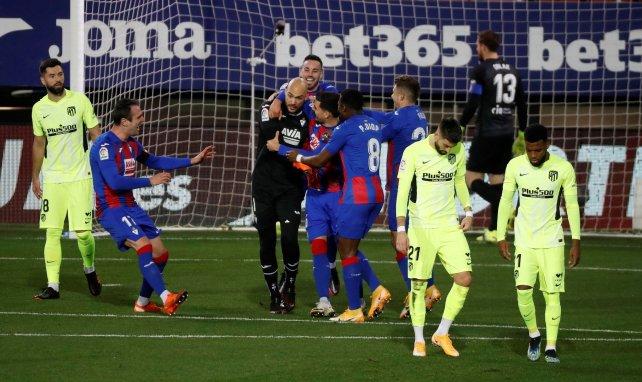 Liga | Luis Suárez dispara al Atlético de Madrid hacia el título