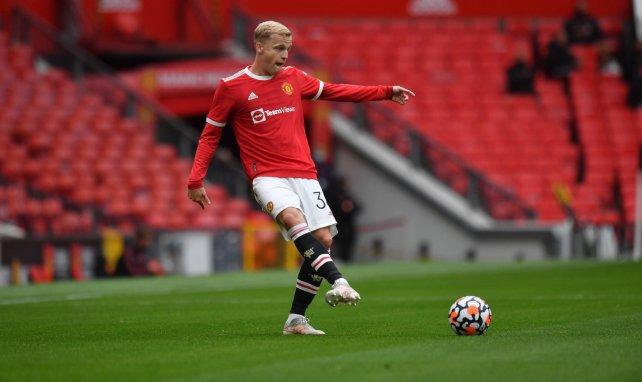 Donny van de Beek mueve ficha para abandonar el Manchester United