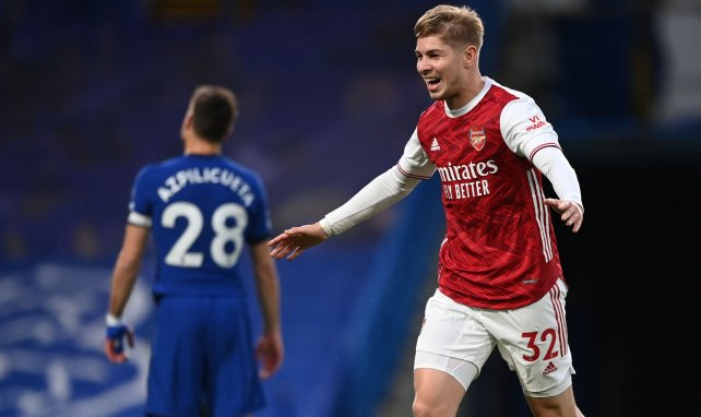 Emile Smith Rowe celebra su diana contra el Chelsea