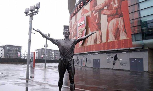 El Arsenal probará al hijo de Dennis Bergkamp