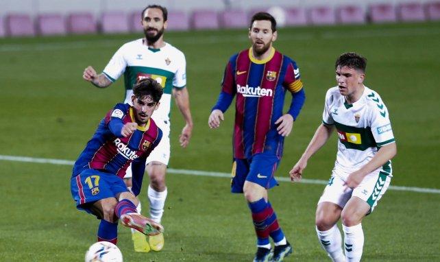 El FC Barcelona se aferra a la Liga al ritmo de Lionel Messi