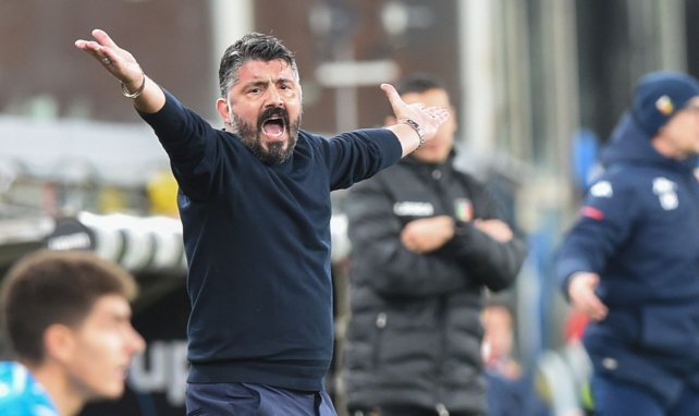 Gennaro Gattuso dirigiendo a los suyos