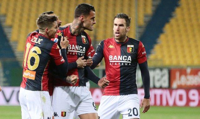 Gianluca Scamacca celebra un gol con el Génova