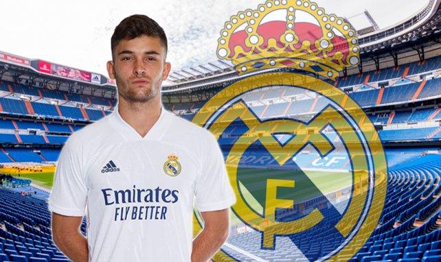 Hugo Duro, con los colores del Real Madrid
