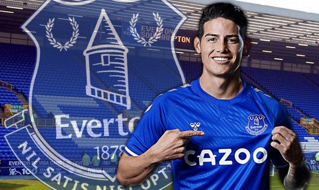 James Rodriguez luce la elástica del Everton