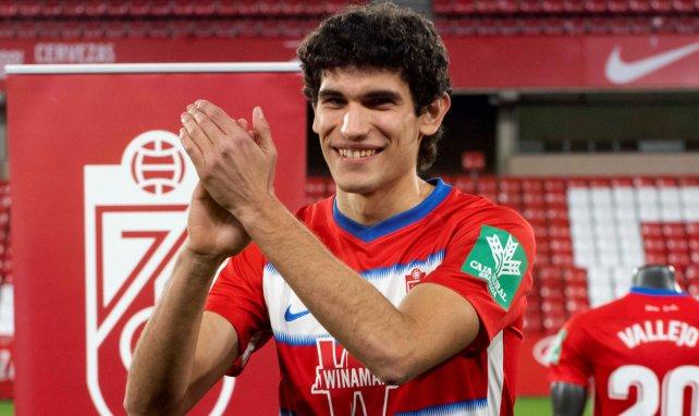 Las exigencias del Real Madrid distancian a Jesús Vallejo del Granada