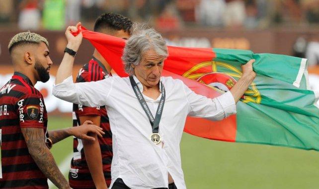 El Benfica estrecha el cerco sobre Jorge Jesus